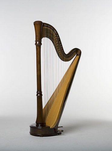 lyndnsey harp no chair tristan